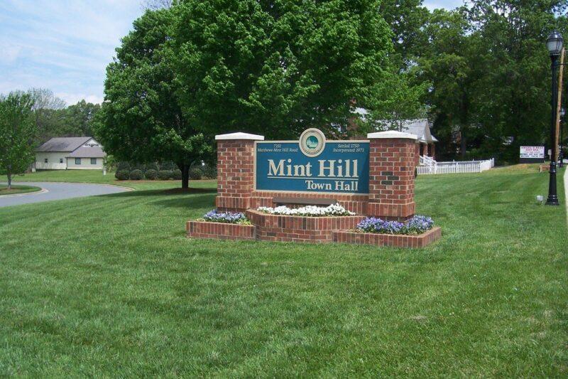 https://www.thecharlottemoms.com/wp-content/uploads/2021/02/mint-hill-nc-living.jpg